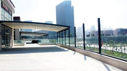 Pérgola Aluminio Terraza con Perfilería Curvada
